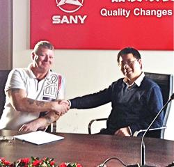 Mark Shaw and Dr Jiang Xiangyang